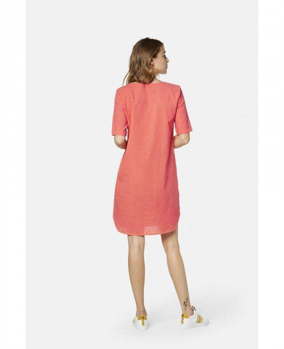 Kleid in Apricot