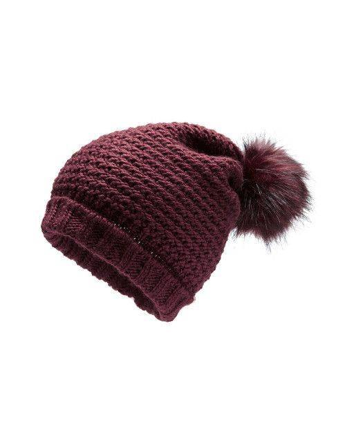 Knitted cap in bordeaux