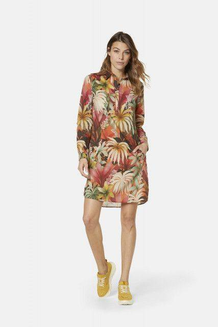 Shirt dress in apricot