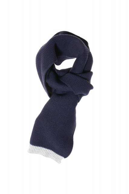 Scarf in dark blue