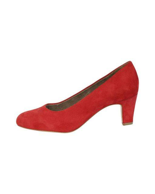 Pumps in red