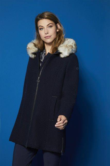 Wool coat in navy blue