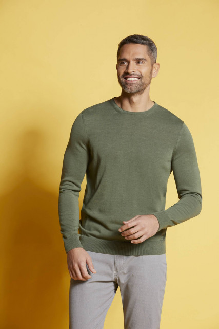 Crew neck jumper in olive