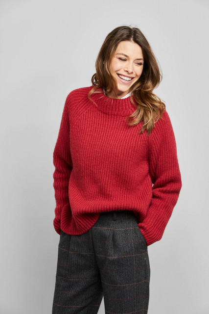 Knit jumper in red