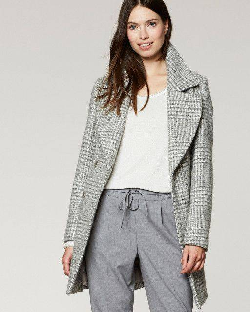 Short coat in light grey