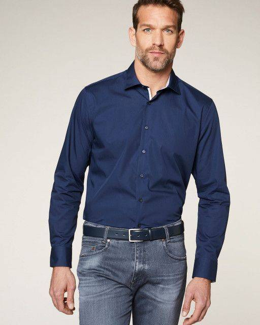 Business shirt in navy